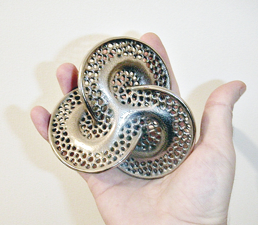 Non Singular Knot - Math Art by Dizingof - 3D Printed in Stainless Steel